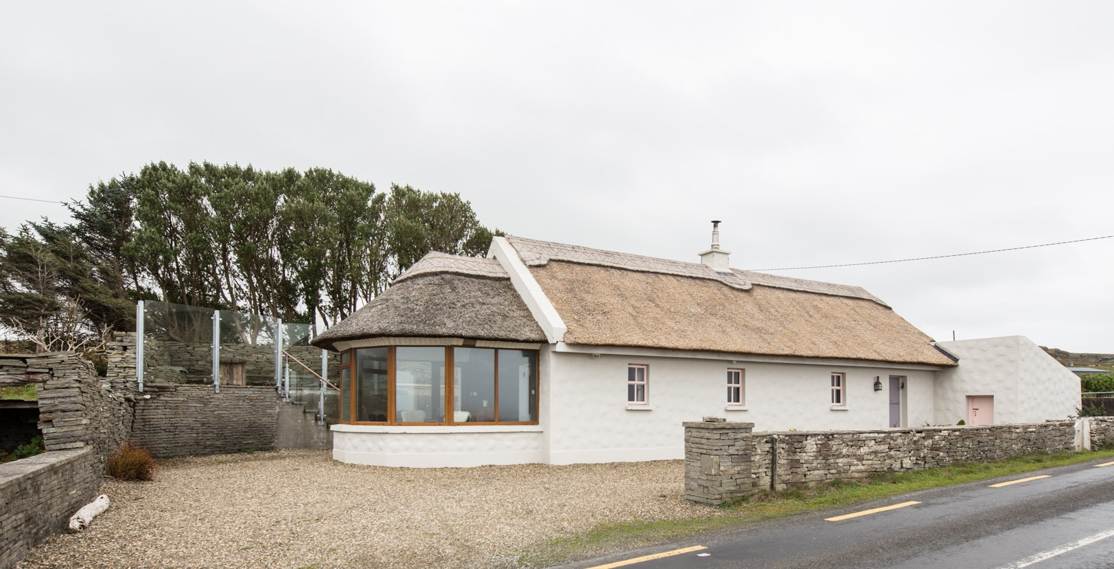 Storytellers Cottage with outside Hot Tub and sea views Cottages in Clare