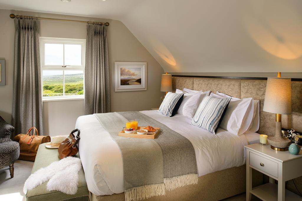 The Hawthorn near the Burren with great views Cottages in Ireland Cottages in Clare Doolin